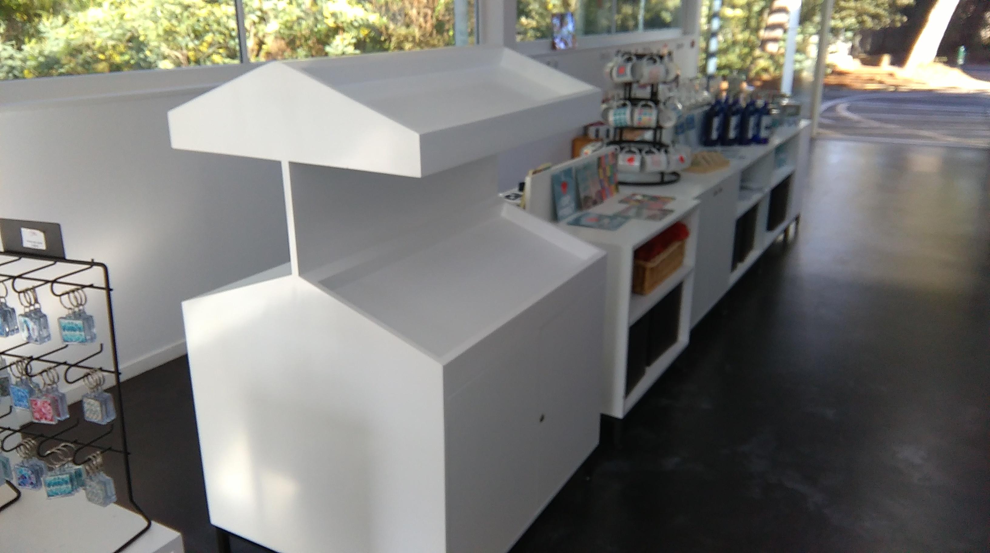 meuble pr sentoir eb 39 hen david henriques. Black Bedroom Furniture Sets. Home Design Ideas